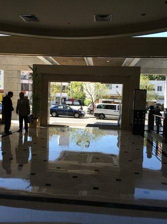 NH Collection Plaza Santiago: Frente