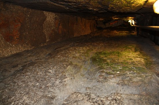 Jerusalem Walls - City of David National Park: in the Tunnel