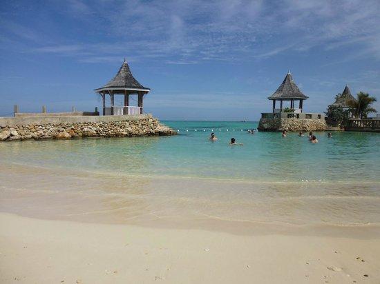 SeaGarden Beach Resort: Private SeaGarden Beach