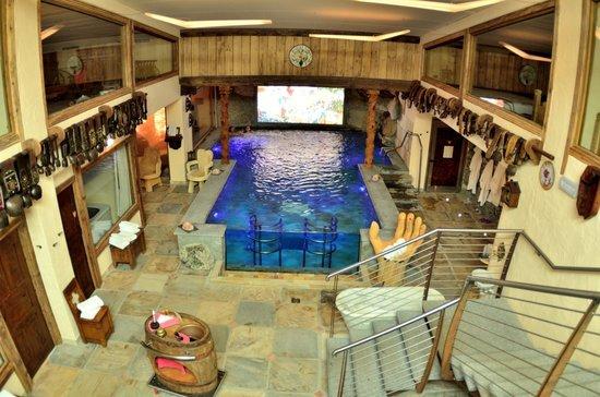 Bellevue Hotel & Spa : une des 2 piscines intérieures