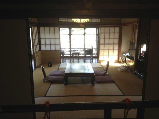 Kyoto Garden Ryokan Yachiyo: Main room and balcony