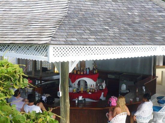 SeaGarden Beach Resort: Beach Bar