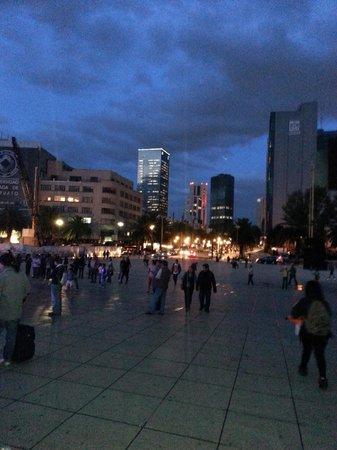 Monumento y Museo de la Revolucion: Caminata nocturna alrededor del monumento a la Revolución