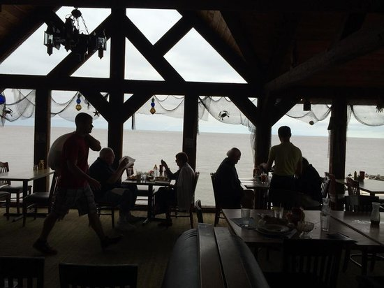 Sea Breeze: Upstairs dining room with Gulf view.