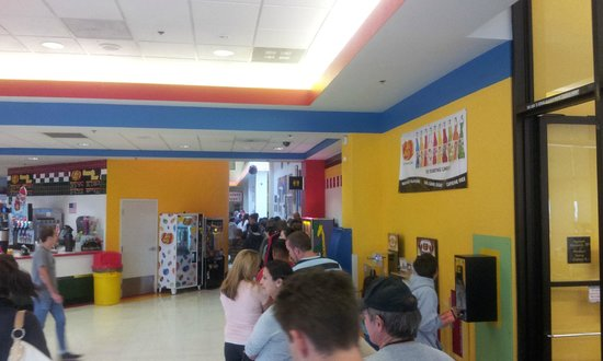 Jelly Belly Factory Tour: Long Lines