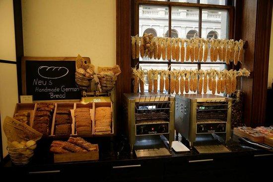 Cafe Opera : Bread Bread and mor bread