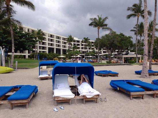 Mauna Lani Bay Hotel & Bungalows: Beach