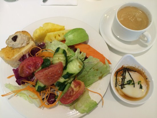Ambience Hotel: Healthy breakfast