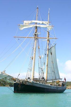 R. Tucker Thompson : The Good Ship R Tucker Thompson