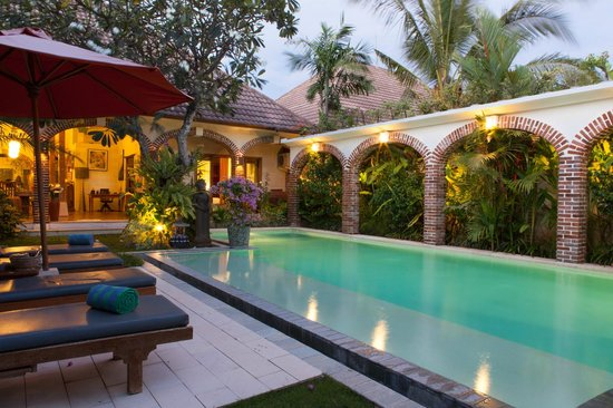 Dyana Villas: pool at deluxe 3 bedrooms villa