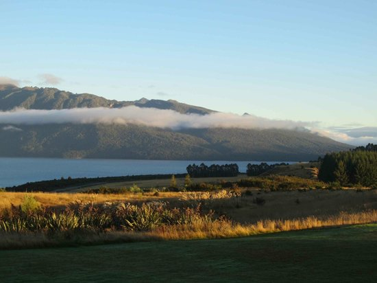Fiordland Lodge: Morning view