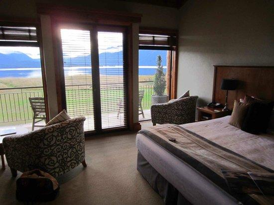 Fiordland Lodge : Deluxe bedroom view