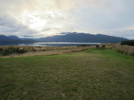 Fiordland Lodge: Lodge view