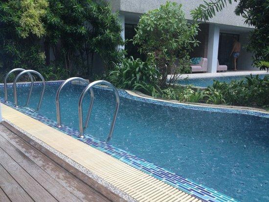 B-Lay Tong Phuket: Pool access. Sooo good