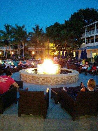 Hawks Cay Resort : Bonfire