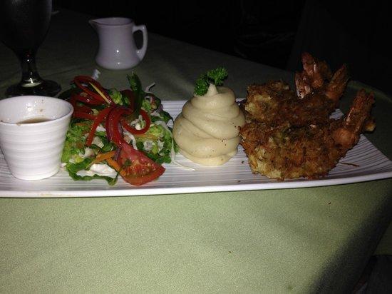 Hi Tide Restaurant at Bay Gardens Beach Resort : Coconut Shrimp
