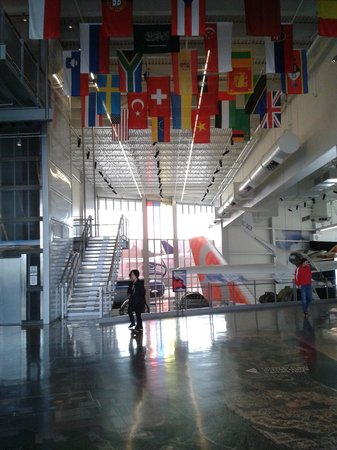 Future of Flight Aviation Center & Boeing Tour : The Main Lobby