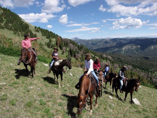 Covered Wagon Ranch: Boone always takes us on the best rides!!!