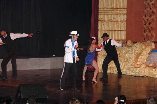 Barcelo Maya Caribe: Show en el teatro