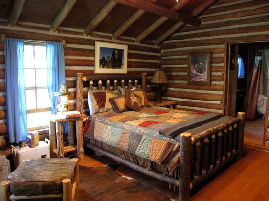 Covered Wagon Ranch: I love the cabins here!!!!!!