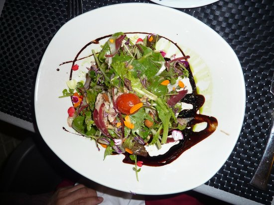 Bakus: Duck salad