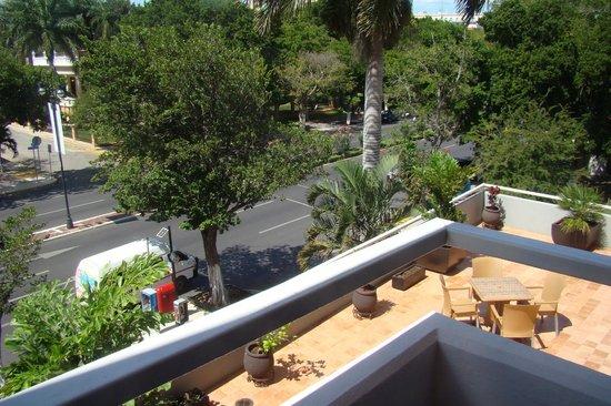 Hotel El Conquistador: Vista da outra varanda do apartamento, Paseo de Montejo