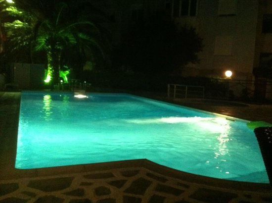 Marialena Hotel: Pool by night