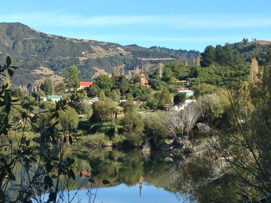 Forgotten World Adventures : Across the Wanganui from Jerusalem