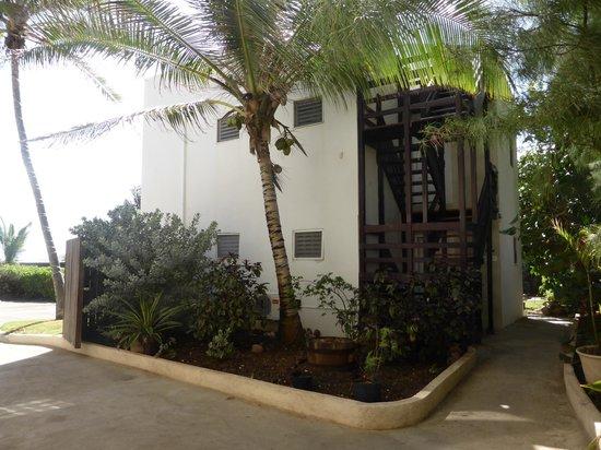 Ocean Spray Beach Apartments: acceso al sector del frente