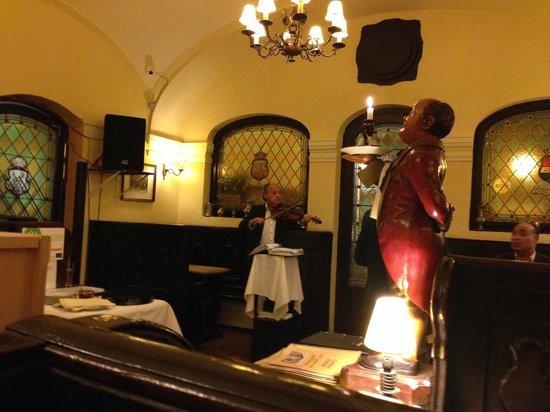Szazeves Restaurant : musicians