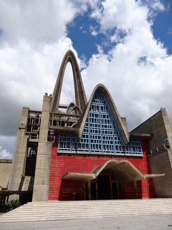 Caribbean Dream - Tours: the basilica in Higuey