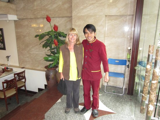 Hanoi Charming 2 Hotel: A doorman and a gentleman