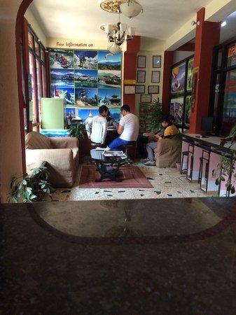 Hotel Silver Home: travel desk