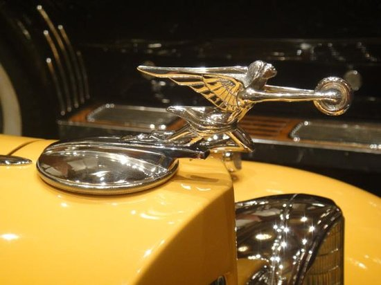 The Nethercutt Collection : love the hood ornaments
