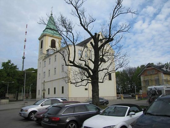 Kahlenberg: The other side of the local church