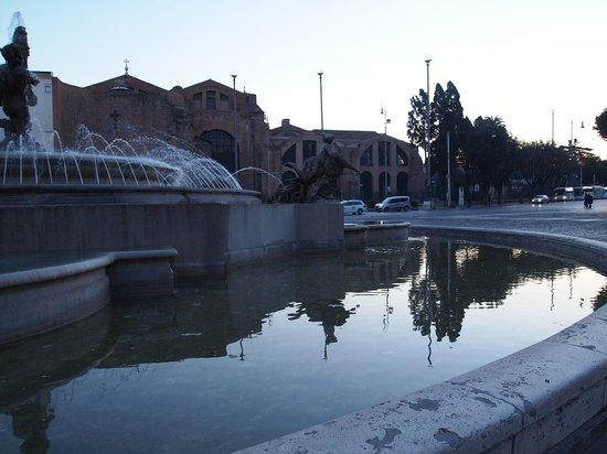 Piazza della Repubblica : Early morning