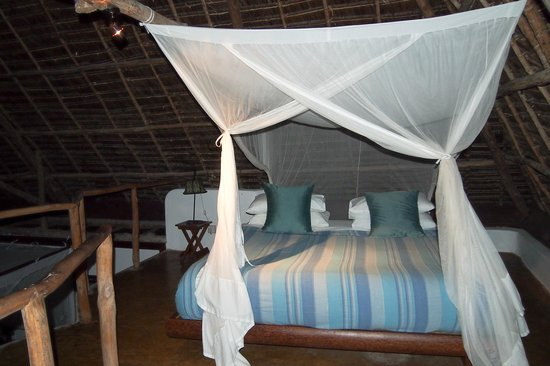 Matemwe Lodge, Asilia Africa: View of bed in the loft