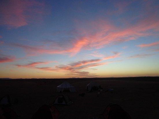 Merzouga Dunes: Le coucher de soleil de Merzouga un régal