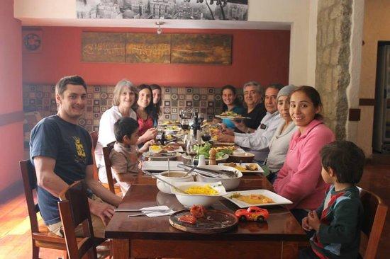 Rendezvous Hotel: almuerzo de Pascuas