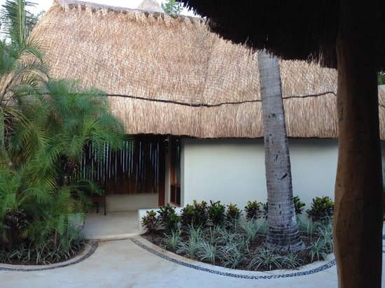 Mahekal Beach Resort: Palapa Garden Deluxe - outside view