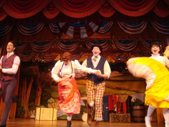 The Hoop-Dee-Doo Musical Revue: hddr