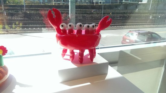 Museum of Glass: Blinky the Crab!