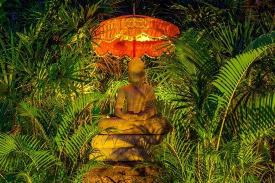 La Palmeraie d'Angkor: Boudha