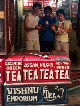 Vishnu Tea Emporium: We had great time with Vishnu in Tea Emporium