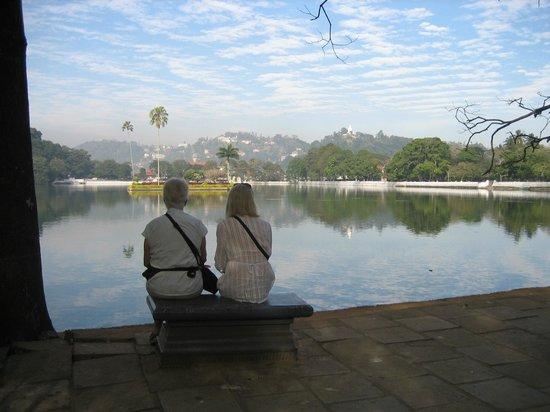 Villa 49: Kandy Lake