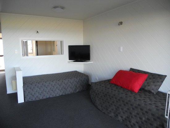 Oceanside Motel Whitianga: Living room