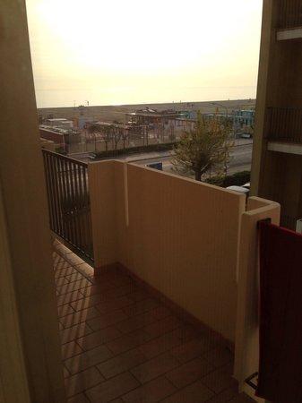 Litoraneo Suite Hotel: Alba sul mare