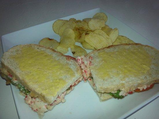Pura Vida Cafe: XXL toast chicken, tuna and seafood