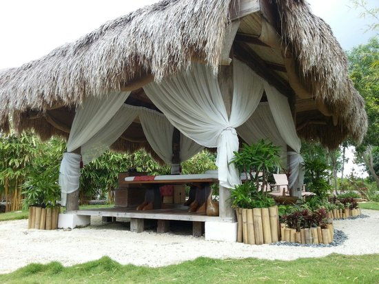 Bluewater Panglao Beach Resort: Massage area