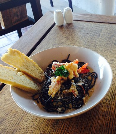 Aleenta Resort Pranburi : Squid ink carbonara